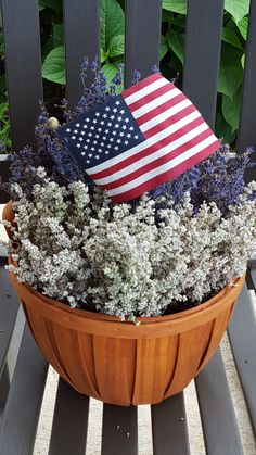 Nettle Creek Lavender Farm is a small family owned & operated farm located in Morris, IL. We hand craft a wide variety of our products with our lavender & other herbs grown locally on our farm.