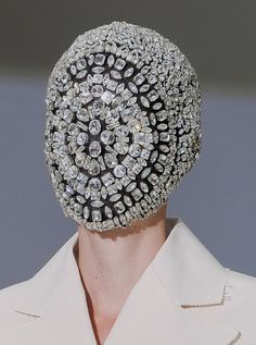 Martin Margiela Haute Couture Mask Not quite clear on the purpose. Maybe it's a new Superhero mask. (Maison Martin Margiela Mask, couture quite clear on the purpose. Maybe it's a new Superhero mask. Capitol Couture, Catching Fire, Margiela Mask, Art Et Design, The Hunger Games, Thing 1, Couture Fashion, Fashion Mask, Couture Outfits