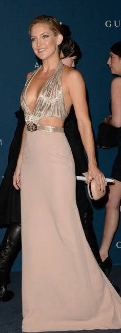 Who made Kate Hudson's cut out nude gown that she wore in Los Angeles on November Dress – Gucci Zac Posen, Carolina Herrera, Beautiful Gowns, Beautiful Outfits, Marchesa, Nude Gown, Valentino, Dior, Blush
