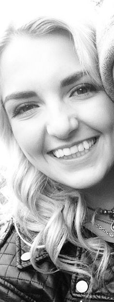 Rydel lynch is the best, she's so insanely pretty it's not fair.