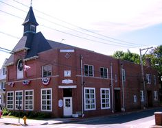 Connecticut Masonic Lodges Milford Masonic Building 59 Broad St. Milford, Connecticut Telephone: (203) 874-9888 http://www.ansantawae89.org http://www.orangelodge143.org