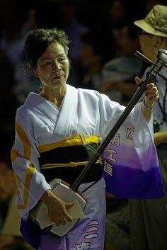Awa Odori --playing the shamisen