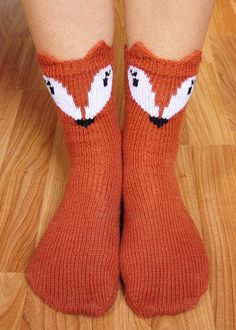 pawsome pals knitted fox socks with ears knitting pattern 2 cropped