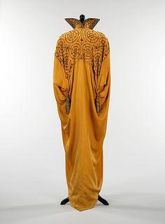 Evening cape  Date: 1910–15 Culture: American Medium: silk, metal Accession Number: 2009.300.385