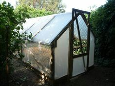 Low cost pallet greenhouse