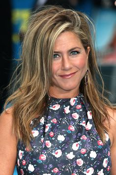 Read up on Jennifer Aniston's hair tricks, fave products + more.