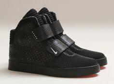 Another detailed look at the Nike Flystepper CRESCENT CITY releasing this weekend. Me Too Shoes, Men's Shoes, Nike Shoes, Shoe Boots, Shoes Sneakers, Souliers Nike, Asics Tiger, Sneaker Games, Baskets