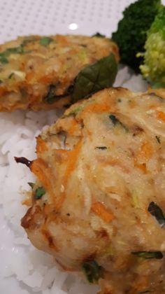 Jo's Chicken Patties Chicken Patties, Baby Spinach, Bread Crumbs, Cauliflower, Zucchini, Carrots, Lunch, Snacks
