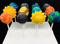 Cake Pops, 2nd Birthday Party For Boys, Birthday Party Themes, Birthday Ideas, 8th Birthday, Solar System Cake, Planet Cake, Space Baby Shower, Outer Space Party