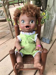 Outfit to fit Baby Alive doll and 13 dolls