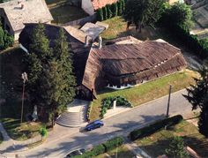 Bak - Faluház | Élőépítészet Hungary, Cabin, House Styles, Nature, Travel, Naturaleza, Viajes, Cabins, Destinations