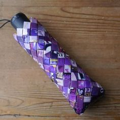 Umbrella cover made from crisp and chocolate wrappers Umbrella Cover, Paper Crafts, Diy Crafts, Candy Wrappers, Beaded Bags, Candy Bags, Paper Beads, Recycled Crafts, Paper Design