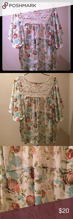 Kim Rogers Sheer Top This blouse is in like new condition. Very pretty shirt! Kim Rogers Tops Blouses