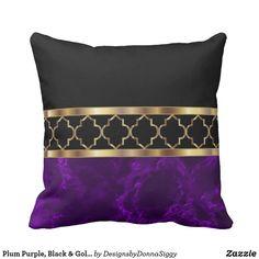 New apartment color schemes black pillows ideas Plum Bedroom, Purple Bedrooms, Bedroom Colors, Bedroom Decor, Bedroom Ideas, Purple Pillows, Black Pillows, Black And Gold Living Room, Apartment Color Schemes