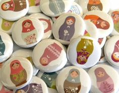 Buttons Matroyshka Dolls set of 20 van buttonsandbadges op Etsy Doll Party, Matryoshka Doll, 2nd Birthday, Birthday Ideas, Have Time, First Birthdays, Cardmaking, Sewing Projects, Etsy Seller