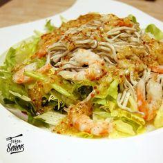Ensalada templada de gulas y gambas con vinagreta de mostaza y ajo | Receta de Sergio