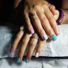 Nuevo set a lo sirena 🤭🧜♀️ . Manicure, Nails, Color, Beauty, Memes, Santiago, Thank You God, Mermaids, Fingernail Designs