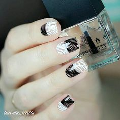 20+ Elegant Nails Designs for Women in Business ❤️ Monochromatic Designs for Office ❤️ Elegant nails are not something ethereal or unreachable. Quite on the contrary, we are going to prove you that any busy woman can look extremely elegant.https://naildesignsjournal.com/elegant-nails-office-designs/ #naildesignsjournal #nails