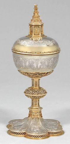 Abendmahlpokal Teilvergoldet. Auf sechspassigem Fuß fein gravierte Darstellung von Jesus Christus i
