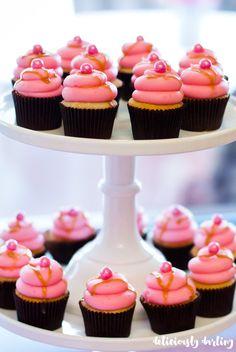 DD_Sip_N_See_Cupcake