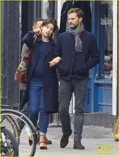 jamie-dornan-walks-arm-in-arm-with-wife-amelia-warner