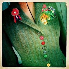spring jacket -- notice how appliques match the buttons... also between each of the buttons that use button holes, there are two buttons sewn onto the jacket for embellishment