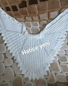 Crochet Collar, Crochet Jacket, Hand Crochet, Crochet Baby, Poncho Knitting Patterns, Knitted Poncho, Crochet Patterns, Knitting Room, Crochet Crocodile Stitch