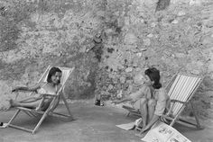 Jacqueline Kennedy and sister Princess Lee Radziwill, Ravello, Italy 1962  Photograph (c) Benno Graziani /All Rights Reserved