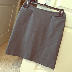 Gray midi skirt Very cute skirt. And perfect for formal occasions👌🏻 Skirts Midi