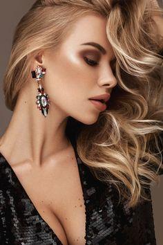 Viktoria Apanasenko Fashion Model Photo Gallery Page 5 - ModelsIntro Diamond Earrings, Drop Earrings, Latest Pics, Model Photos, Beauty Women, Women's Beauty, Pretty Woman, Fashion Models, Photoshoot