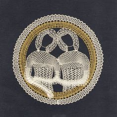 Palickováni 3 - Mary Moya - Picasa Web Albums Bobbin Lacemaking, Bobbin Lace Patterns, Lace Heart, Lace Jewelry, Lace Making, String Art, Lace Detail, Zodiac Signs, Diy And Crafts