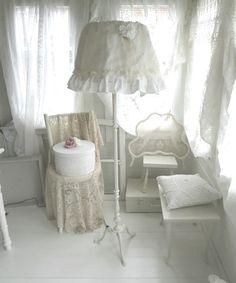 ~○~  Shabby chic, Stehlampe  ~○~ von Weidenröschen auf DaWanda.com
