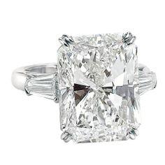 An Impressive 15.03 ct Radiant Cut Diamond GIA Cert Ring