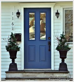 Cozy Black and White Floor Interior Decorations Gray siding, blue door, fancy trim.so happening. Blue shutters to match! Front Door Colors, Front Door Decor, Door Design, House Design, Entry Doors, Front Doors, Entryway, Town And Country, Country Living