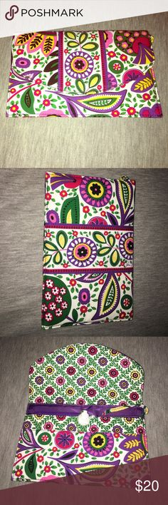 Vera Bradley Clutch Floral clutch with 3 pockets, 1 zip, and additional Id compartment Vera Bradley Bags Wallets
