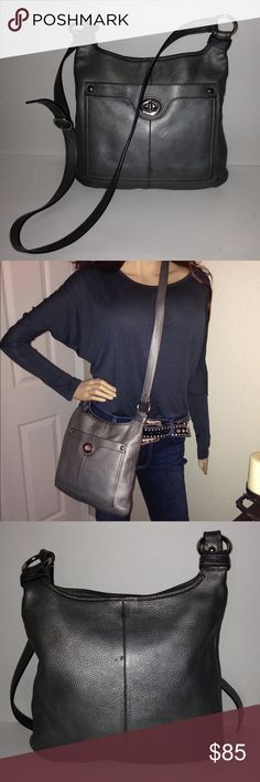 Coach Penelope Metallic Hippie Cross Body F16533 Happy to consider offers. Authentic Coach Penelope Metallic Cross Body Bag. Very good overall condition. Exterior has a slight Nick in the back and slight wear to corners. Interior black textured lining is in excellent condition. Smoke-free as well as pet-free home. Happy to post additional pictures upon request. Coach Bag Registration No. J1168-F16533 Coach Bags Crossbody Bags