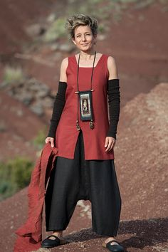 Black linen sarouel and red mixed linen/ silk tunic //  AMALTHEE CREATIONS