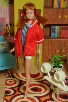 Vintage Mattel 1964 Fashion Queen Midge Doll  in Resort Set