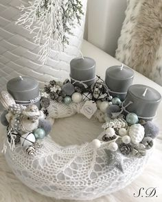 Stunning Christmas Sweater Wreath Advent Candles Decoration Ideas - Page 51 of 55 - Chic Hostess Christmas Advent Wreath, Cork Christmas Trees, Christmas Tabletop, Xmas Wreaths, Christmas Tablescapes, Noel Christmas, Christmas Candles, Christmas Design, Christmas Crafts