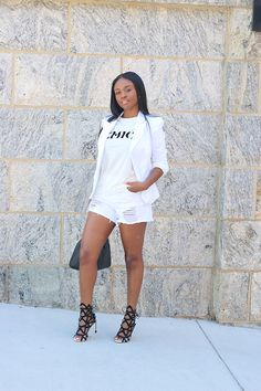 Happy Friday!     |OUTFIT|   ::   Top : ( here ) Similar options ( here ) ( here ) ( here )   Shorts : ( here ) Similar ( here )   Blaz...