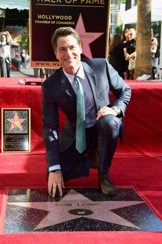 Rob Lowe from The Big Picture: Today's Hot Pics The Grinder and Lion Guard star is honored on the Hollywood Walk of Fame. Hollywood Boulevard, Hollywood Walk Of Fame, Hollywood Actor, Golden Age Of Hollywood, Young Celebrities, Celebs, The Outsiders Preferences, Dallas Winston, Actrices Hollywood