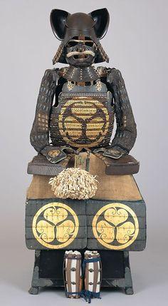 戦国時代の兜『名称不明』 Samurai Weapons, Samurai Helmet, Samurai Armor, Arm Armor, Japanese Culture, Japanese Art, Lamellar Armor, Types Of Armor, Japanese Warrior