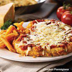 #EastSideMarios Classic Chicken Parmigiana. eastsidemarios.com Dinner Recipes, Yummy Recipes, Recipies, Chicken Parmigiana, Copykat Recipes, Surf And Turf, Lunch Snacks, Menu Items, Macaroni And Cheese