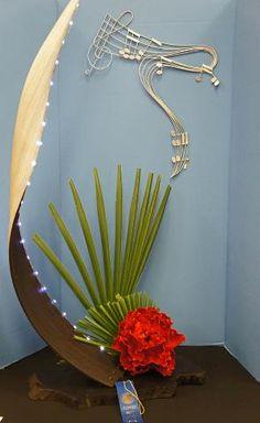 """Garden Club of St Augustine Flower Show """"Moonlight Sonata"""" Illuminary Design Modern Floral Arrangements, Beautiful Flower Arrangements, Beautiful Flowers, Wedding Flower Arrangements, Peony Bridesmaid Bouquet, Flower Bouquet Wedding, Peonies Bouquet, Flower Bouquets, Bridal Bouquets"""