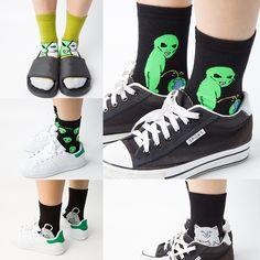 2016 Brand Elegant Creative Women Cat Socks Kawaii Ladies Cartoon Cotton Art Socks Funny Alien Planet Socks