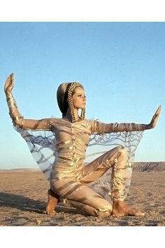 Veruschka striking a pose for Franco Rubartelli in the Egyptian desert, 1967