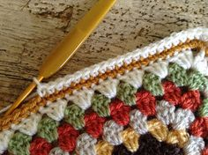 Crochet Edgings And Borders Lullaby Lodge: Crochet Tutorial - Cute Bobble Edging - Learn how to add this cute bobble edging to your crochet blanket. Bobble Crochet, Crochet Blanket Edging, Crochet Stitches For Blankets, Crochet Towel, Crochet Lace Edging, Bobble Stitch, Diy Crochet, Crochet Edgings, Crochet Ideas