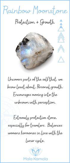 Descubre partes del yo que menos conocemos. Crecimiento personal. Anima a moverse hacia lo desconocido con la percepción. Piedra extremadamente protectora especialmente para los viajeros. Equilibra las hormonas femeninas en línea con el ciclo lunar.
