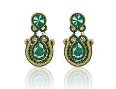bazu / Smaragdové náušnice #nausnice #handmade #slovenskydizajn #handmadepodnikanie #bazu #sashe