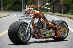 このバイク,曲がるのか?